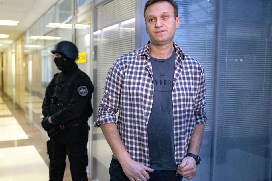 Alexej Nawalny - hier auf einem Archivbild - wurde möglicherweise in einem Hotel vergiftet.