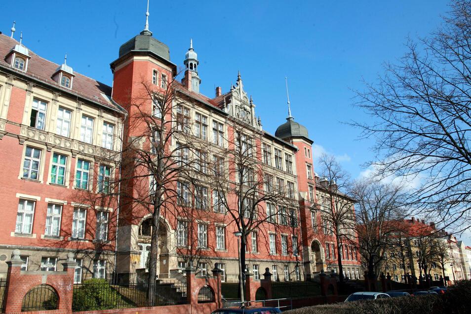 Die Löbauer Tischlerfirma Briesowsky hat die Fenster der Melanchthonschule in Görlitz hergestellt.