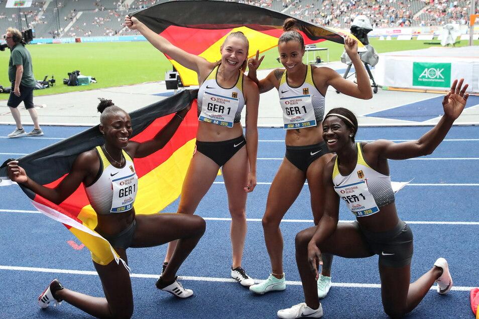 Im September 2019 gewann Yasmin Kwadwo (r.) mit Lisa Marie Kwayie (v. l.), Gina Lückenkemper und Tatjana Pinto in der 4x100-Meter-Staffel.
