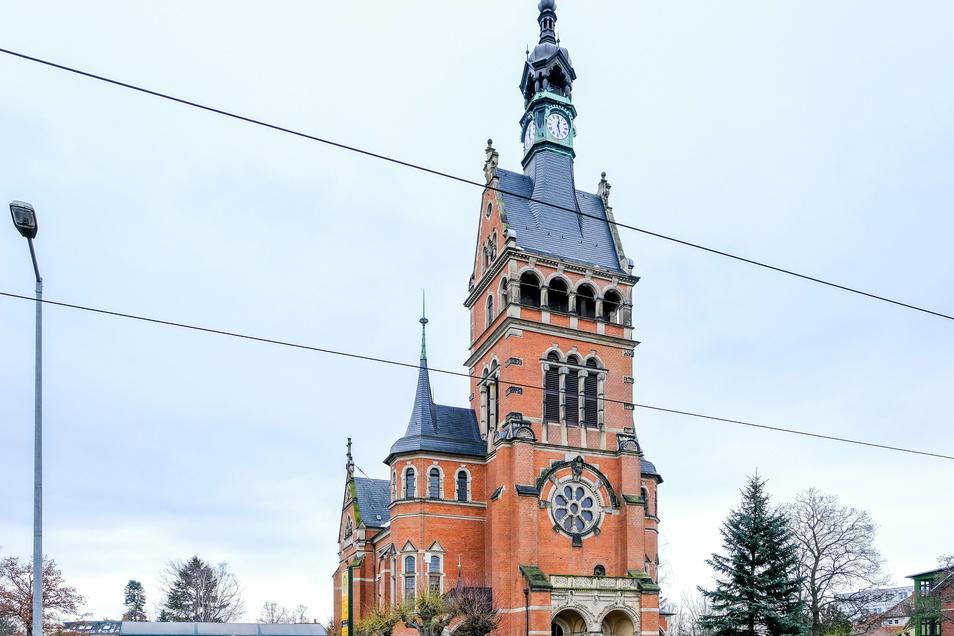 In der Lutherkirche gibt es am Sonntag um 10 Uhr ein Gedenkgottesdienst. Danach steht sie bis 18 Uhr für Gebete offen.