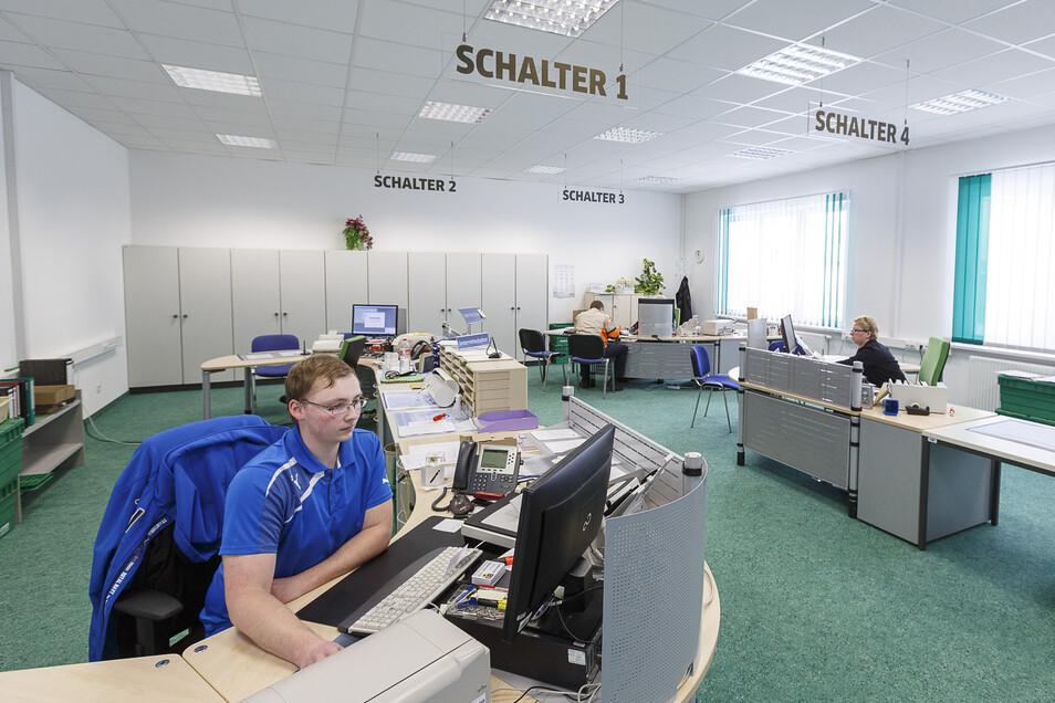 Blick in die Kfz-Zulassungsstelle des Landkreises in Görlitz.