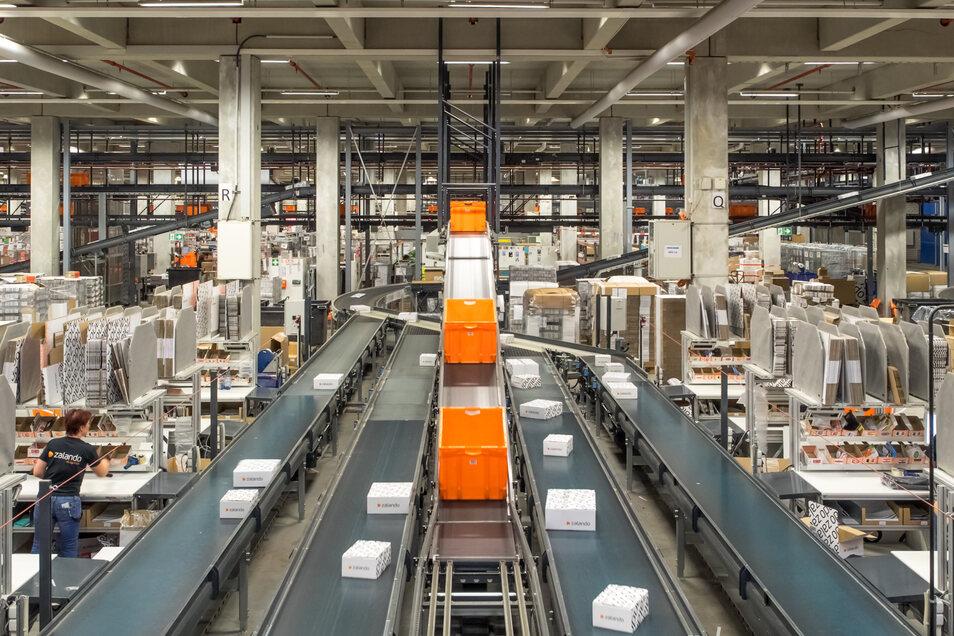 Blick ins Zalando-Logistikzentrum in Erfurt: Der Modehändler trotz der Krise.