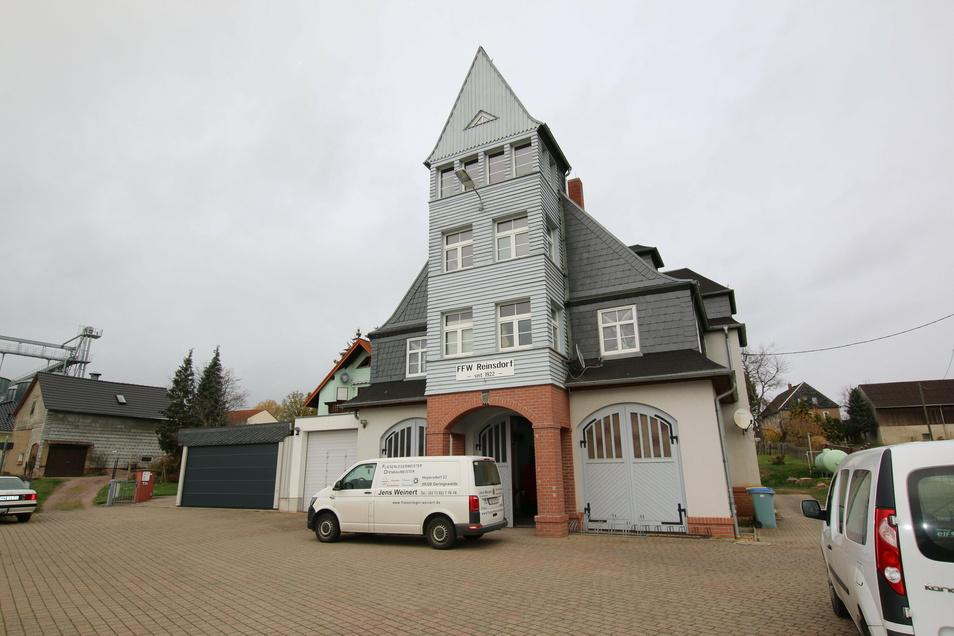 Die Feuerwache wird zum Feuerwehr- und Dorfgemeinschaftshaus umgebaut.