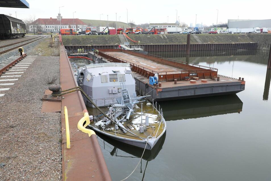 Das Minensuchboot Atlantis ist gesunken und es ist Öl ausgelaufen. Das Wrack soll gehoben werden.