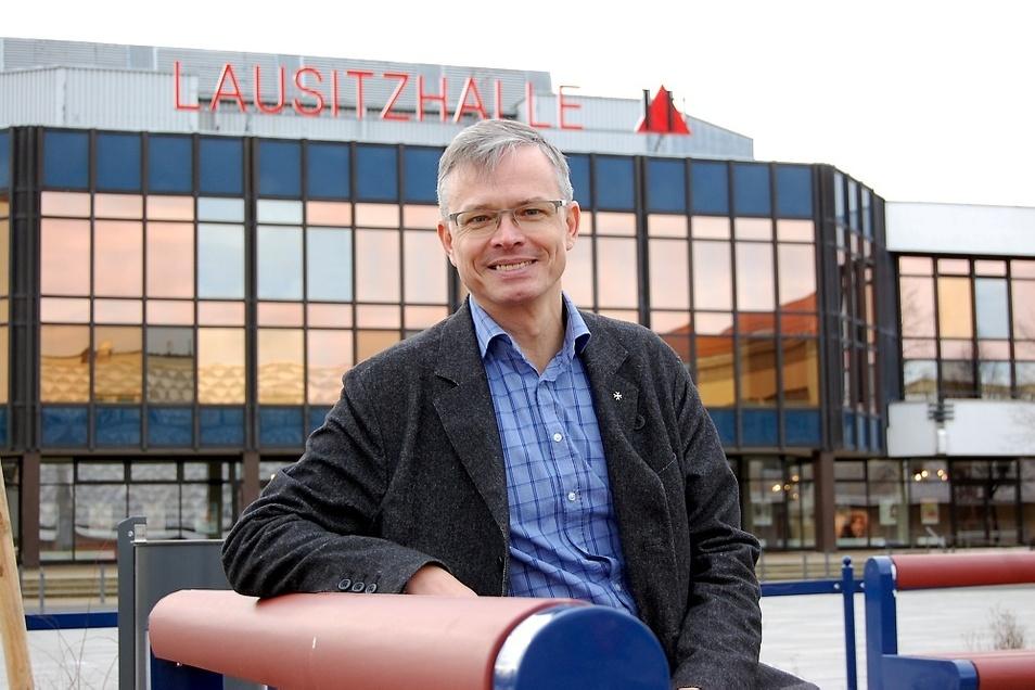 Dirk Nasdala ist aktuell in Hoyerswerda Stadtrat sowie Freie-Wähler-Fraktionschef im Kreistag in Bautzen.