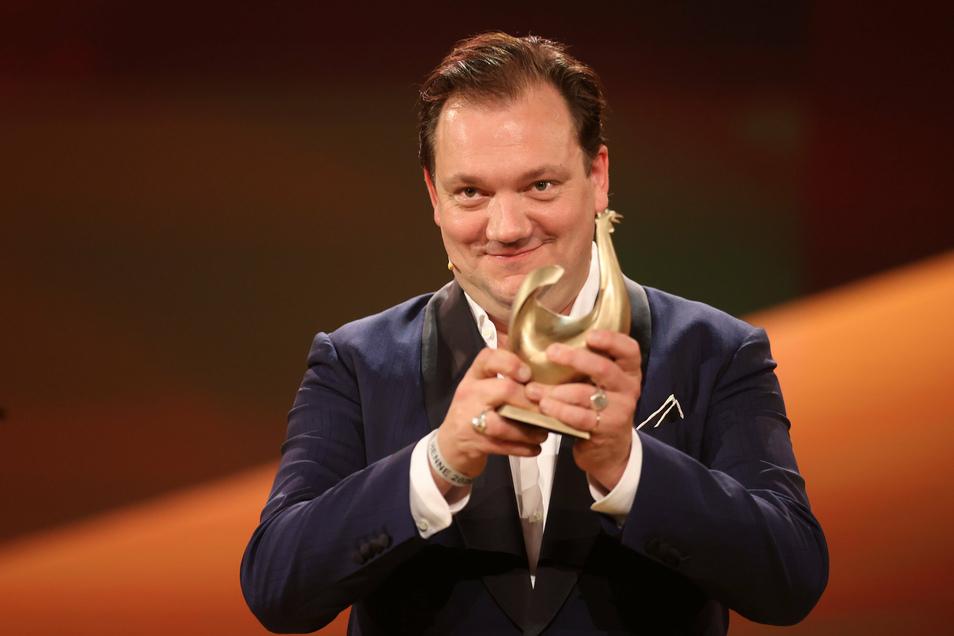 """Charly Hübner erhielt in diesem Jahr die """"Goldene Henne"""" in der Kategorie Schauspiel. Der Publikumspreis wird bereits zum 26. verliehen. Er wird an Stars aus Musik, Sport und Showgeschäft vergeben."""