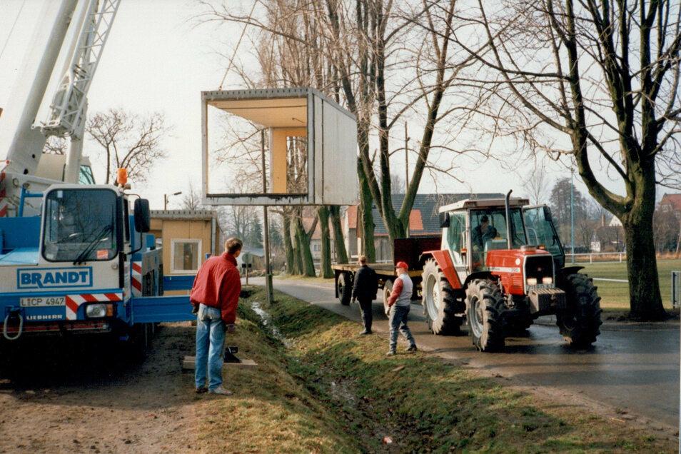 Die Anlieferung der Container-Segmente 1995.