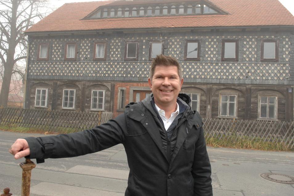 Dieses Umgebindehaus stand in Neugersdorf bevor Thomas Mix es kaufte und nach Brandenburg versetzen ließ.
