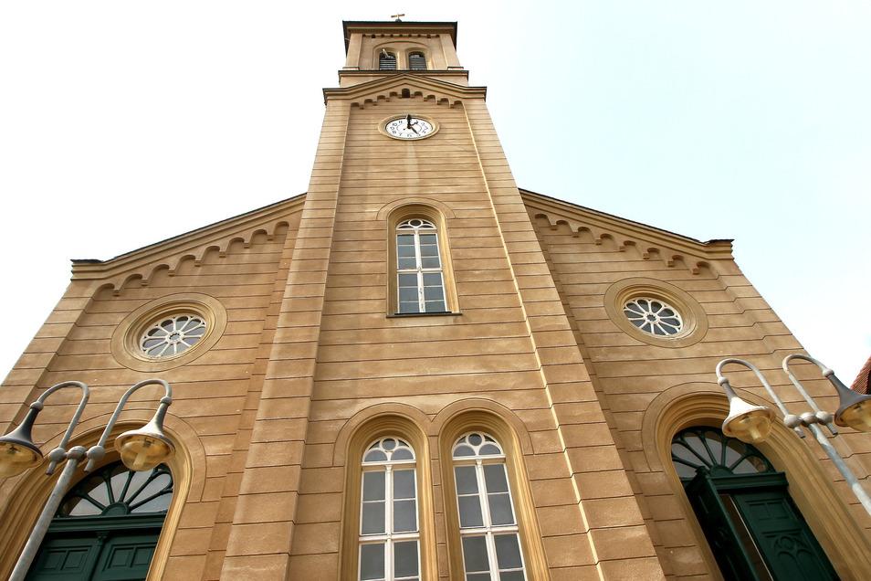 Blick auf die Kirche der Evangelischen Gemeinde am Zinzendorfplatz in Niesky