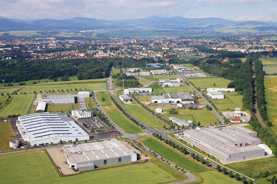 Das Gewerbegebiet Weinau, das zum Teil auf Zittauer, zum Teil auf Mittelherwigsdorfer Flur liegt.