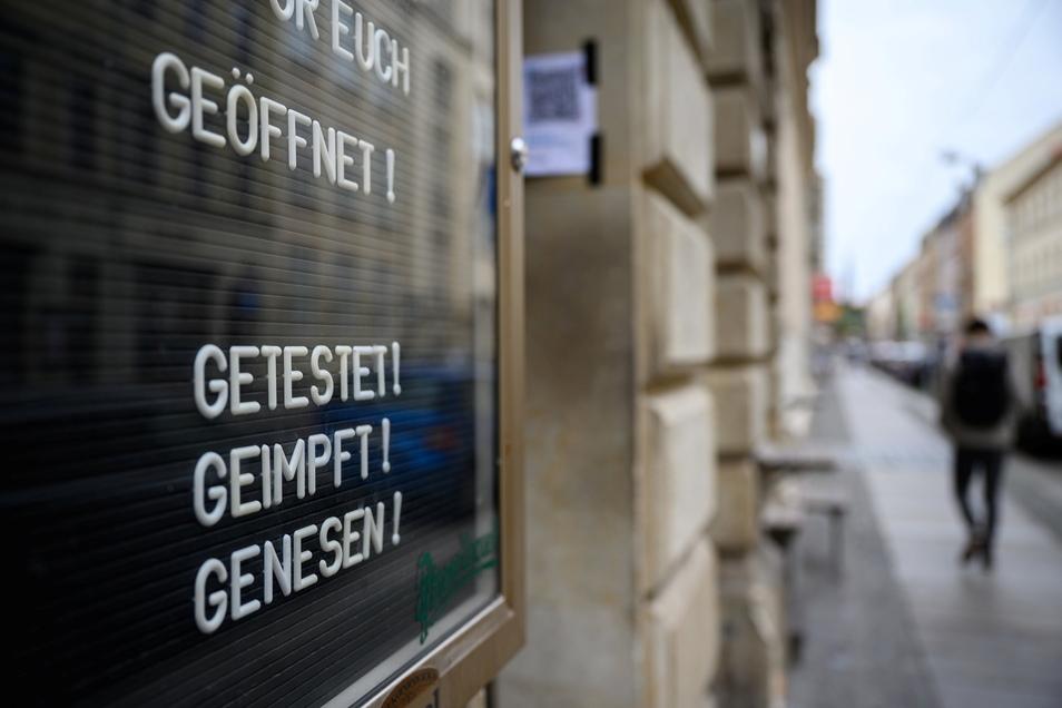 Wegen einer dauerhaft höheren Inzidenz als 35 gilt auch in Dresden in vielen Bereichen die 3G-Regel.
