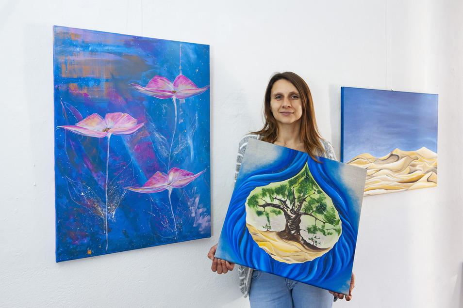Daniela Badura in der Galerie am Kirchplatz 13.