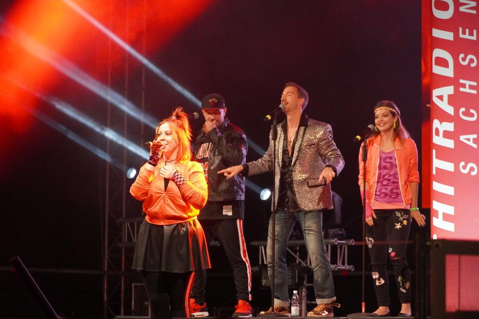 Auf der Bühne von Hitradio RTL sorgen die PartyShakers für gute Laune.