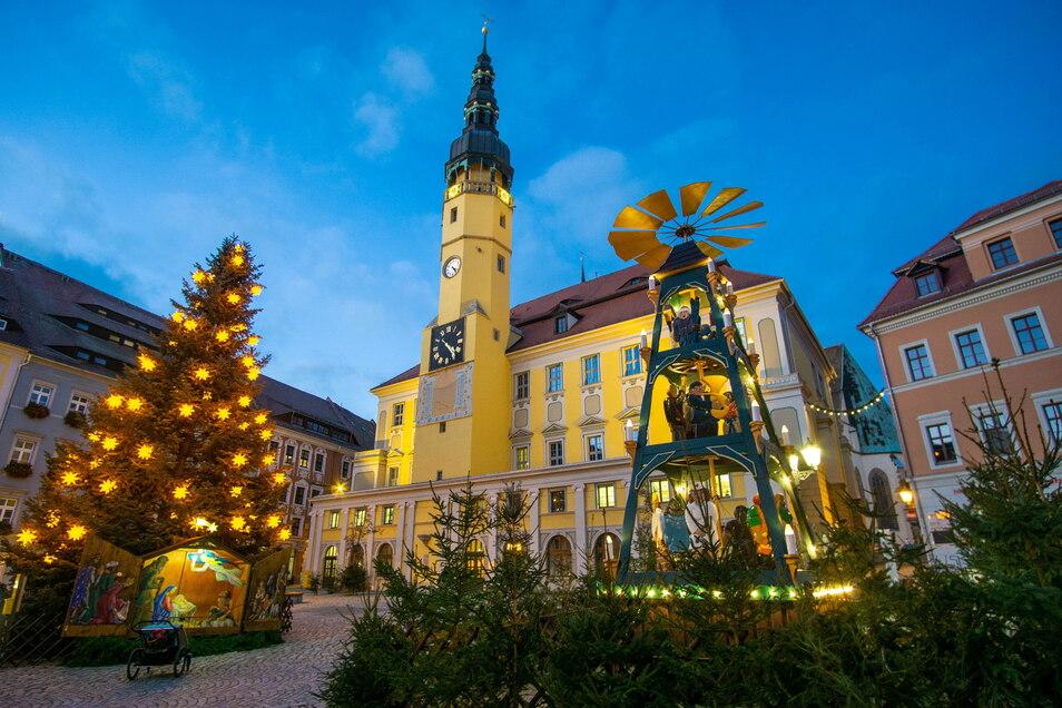 Hier auf dem Bautzener Hauptmarkt sollte zum Wenzelsmarkt eine neue Märchenhütte stehen. Doch daraus wird vorerst nichts.