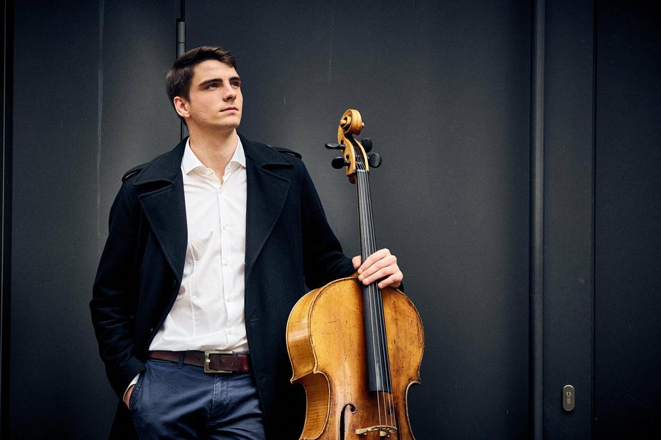 """Der Dresdner Musiker Friedrich Thiele wird das Cello in Olivier Messiaens """"Quartett auf das Ende der Zeit"""" im Januar spielen und mit ihm drei Musiker aus Frankreich, Rumänien und Polen."""