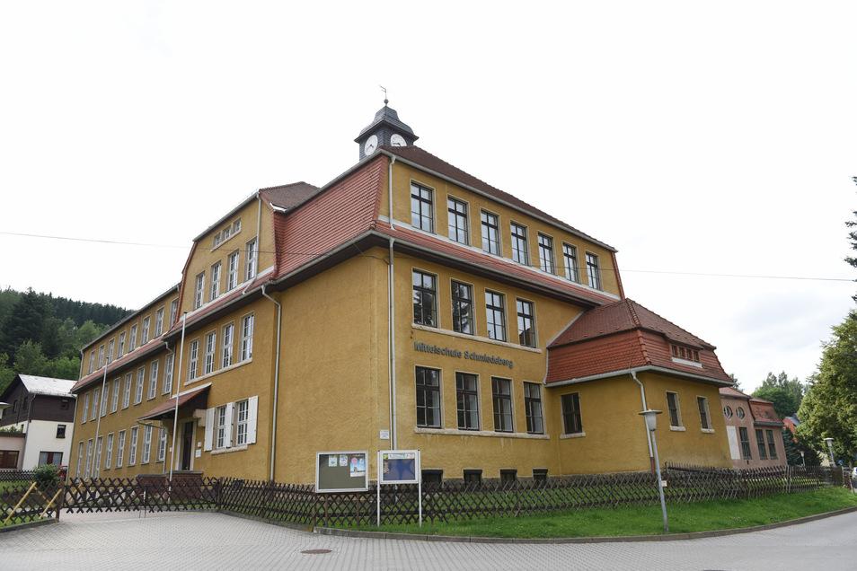 Die Oberschule Schmiedeberg plant ihre dritte Berufsmesse. Der ursprünglich vorgesehen Termin ist jetzt wegen dem Coronavirus verschoben worden.