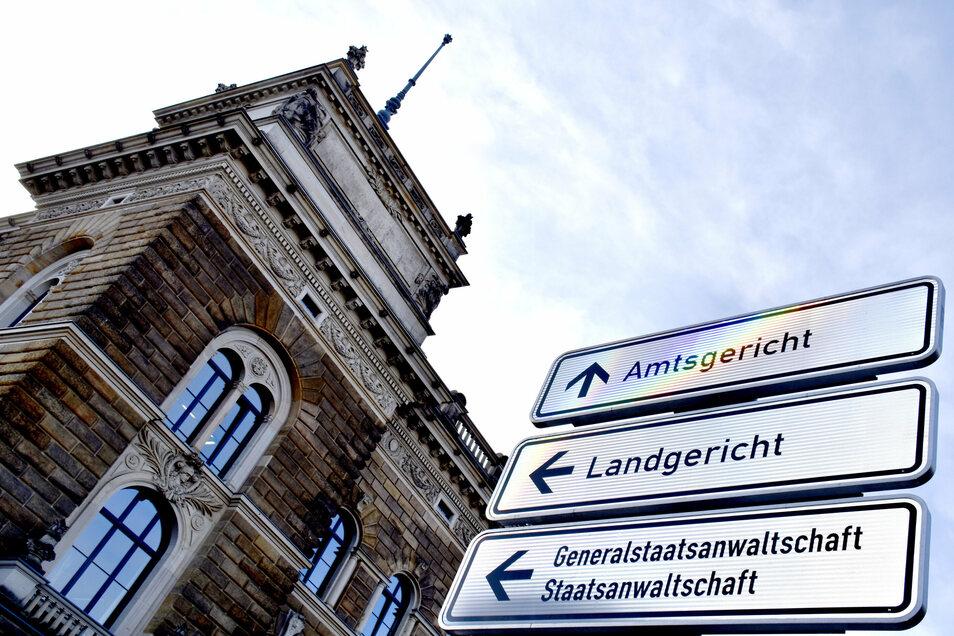 Vor dem Dresdner Amtsgericht ist ein Fall von mutmaßlicher Körperverletzung verhandelt worden. Doch das Motiv blieb bis zum Schluss unklar.