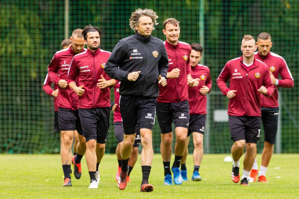 Am 23. Mai durften die Profis von Dynamo Dresden nach 14 Tagen in häuslicher Quarantäne wieder trainieren. Fitnesscoach Matthias Grahé stand mit dem Trainerteam vor einer schier unlösbaren Aufgabe.