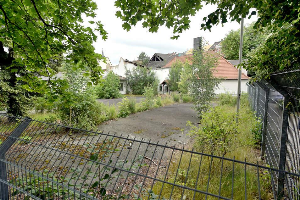 Das ehemalige Möbelhaus - einst das Gasthaus Lamm - soll mit dem Edeka-Neubau in Teilen erhalten bleiben. Allerdings ist an der Rückfront vieles nicht zu retten.
