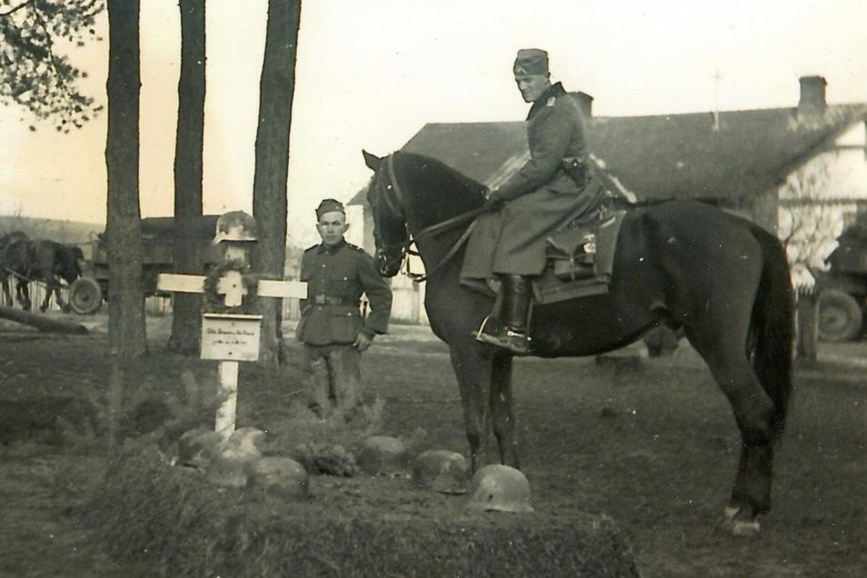 Mahnmal deutscher Verluste am Marschweg: Hier verbrannten acht Wehrmachtssoldaten in einem Mannschaftswagen.