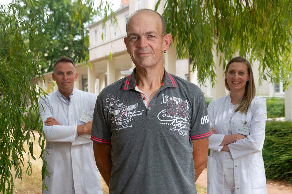Adipositas gilt als Suchterkrankung. Um sie zu überwinden, brauchte Marcel Friedemann Fachleute wie die plastischen Chirurgen Dr. Hana Novotná und Dr. Sönke Eger an seiner Seite.