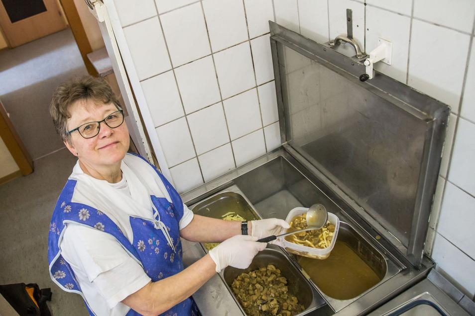 Roswitha Waurig betreibt in Zodel ihren Menü- und Bringedienst. Sie wirbt jetzt vor allem bei Familien, die zu Hause sind, für ihr Mittagessen.