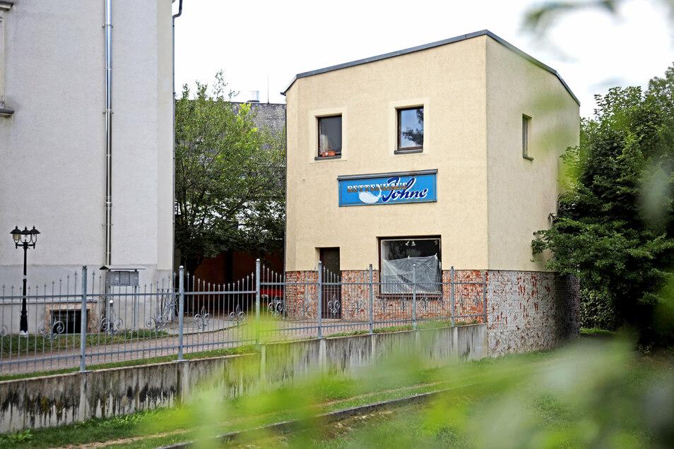 Im Gebäude nahe der Stadthalle Stern entstehen nun zwei neue Wohnungen.