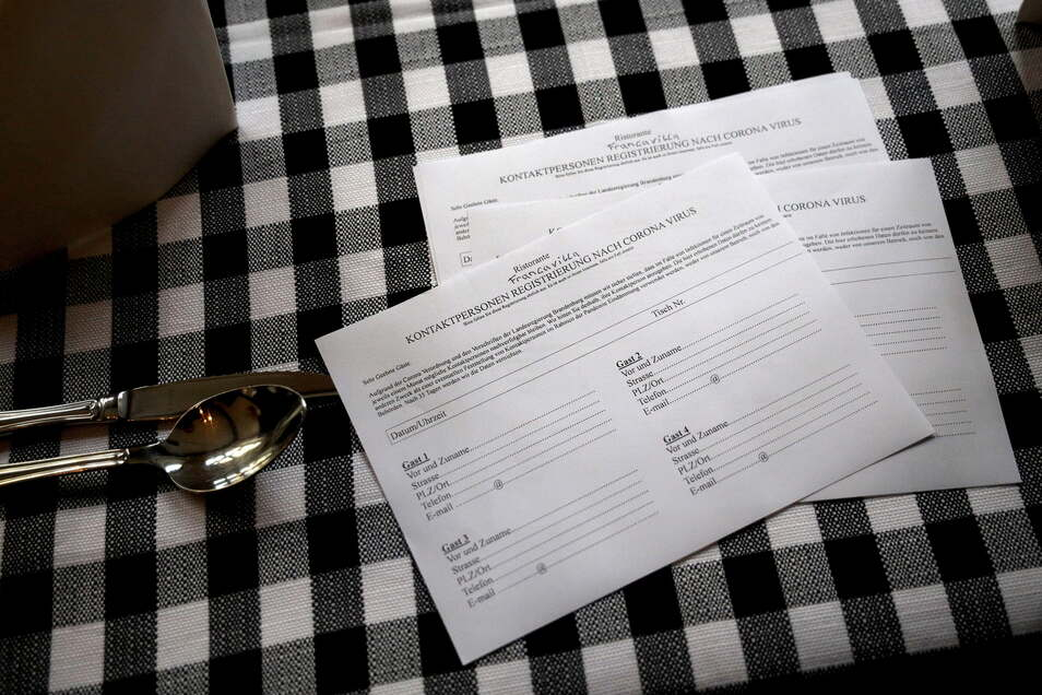 Im Landkreis Mittelsachsen werden die Corona-Regeln aufgrund der Inzidenz unter 35 ab Donnerstag gelockert. Die Erfassung von Kontaktdaten in der Gastronomie ist vorerst nicht mehr erforderlich.