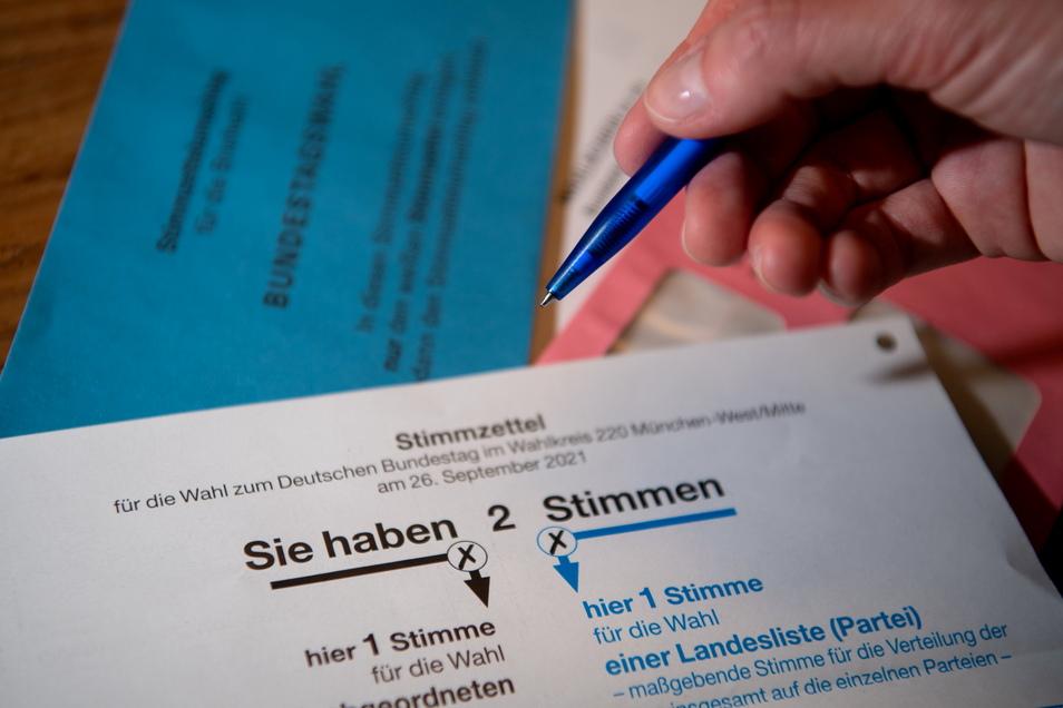 Die Briefwahl läuft bereits. Doch noch immer gibt es unentschlossene Wähler. (Symbolfoto)