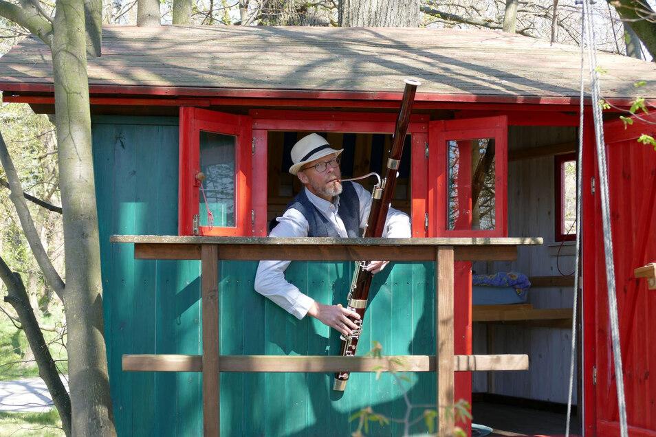 Der Solofagottist Martin Bandel vom Görlitzer Verein Philmehr! hat wie viele andere Musiker in Corona-Zeiten ein Homevideo aufgenommen, weil Kammerkonzerte gerade nicht stattfinden können.