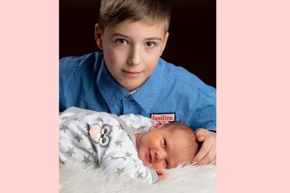 Luna Geboren am 2. Januar Geburtsort Dresden Gewicht 3.840 Gramm Größe 54 Zentimeter Eltern Ines Stange und Mike Hentschel Bruder Diego Wohnort Großharthau