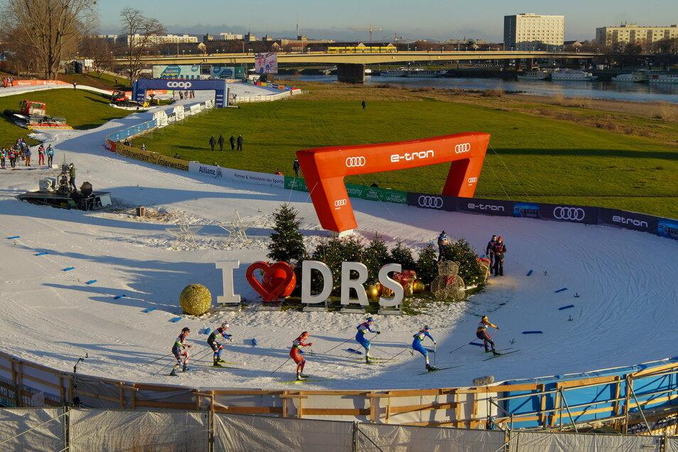 Der Ski-Weltcup in Dresden – das sind auch 650 Meter Kunstschnee und eine Botschaft für die TV-Zuschauer.