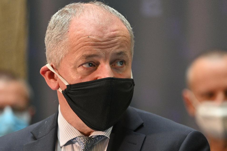 Tschechiens Gesundheitsminister Roman Prymula bereitet den Notstand des Landes vor.