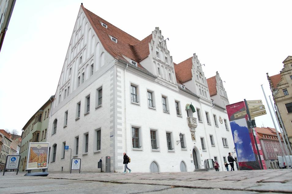 Wegen der Corona-Pandemie reglementiert die Meißner Stadtverwaltung den Zugang zu den Rathäusern.