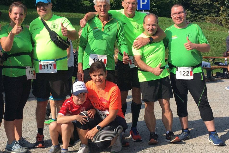 Die Hoyerswerdaer Läufer am Schwarzenberg: Es gab sehr gute Platzierungen und Punkte im Niederlausitz-Cup. Das Gesamt-Podest ist in Sichtweite!