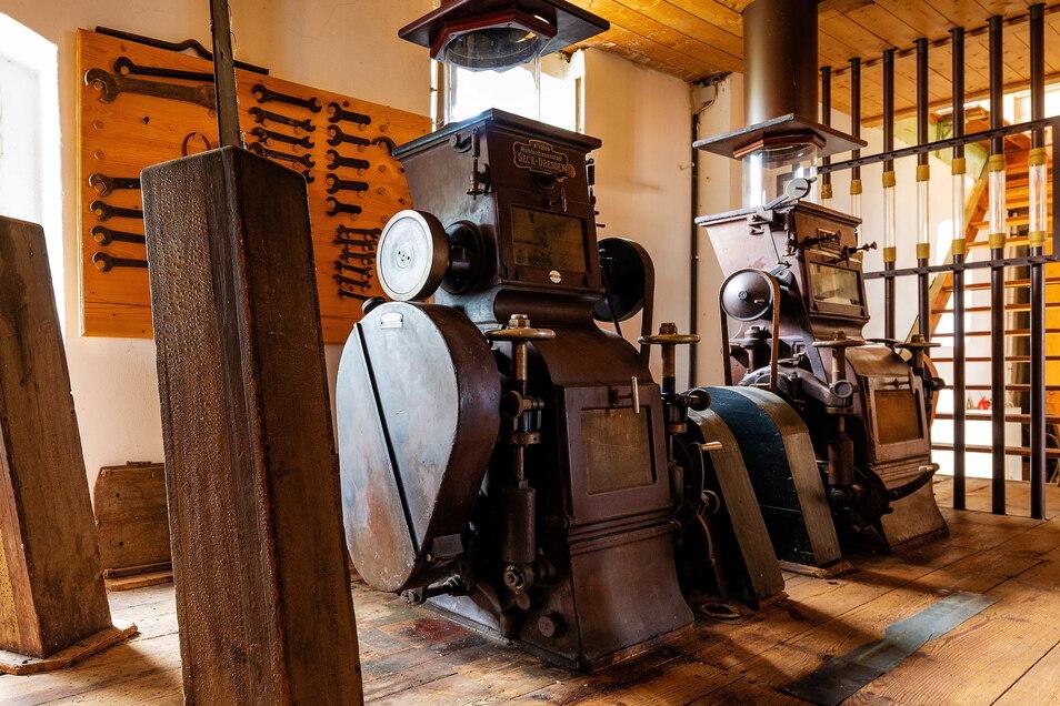 Die Geschichte der Hammermühle reicht mehr als 500 Jahre zurück. Ihr Fundament stammt aus dem Jahr 1493. Die Drahtmühle wird 1740 Eisenhammer. 1888 zieht der erste Getreide-Müller ein.