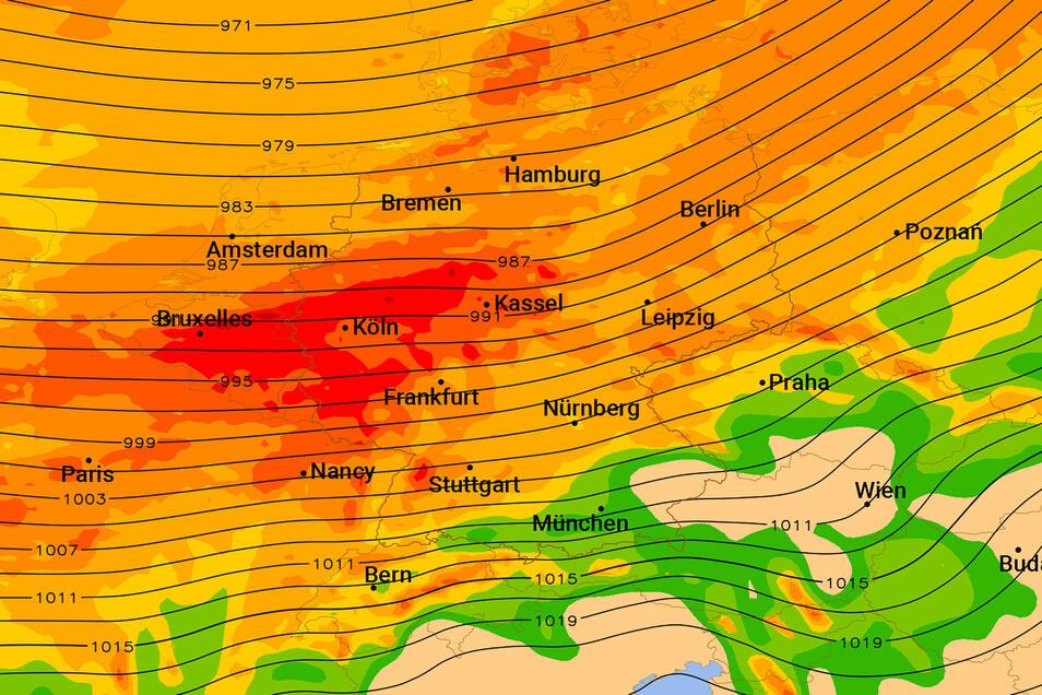 Die Karte zeigt in Rot, wo am Sonntagabend Sturmböen von mehr als 100 Stundenkilometern drohen.