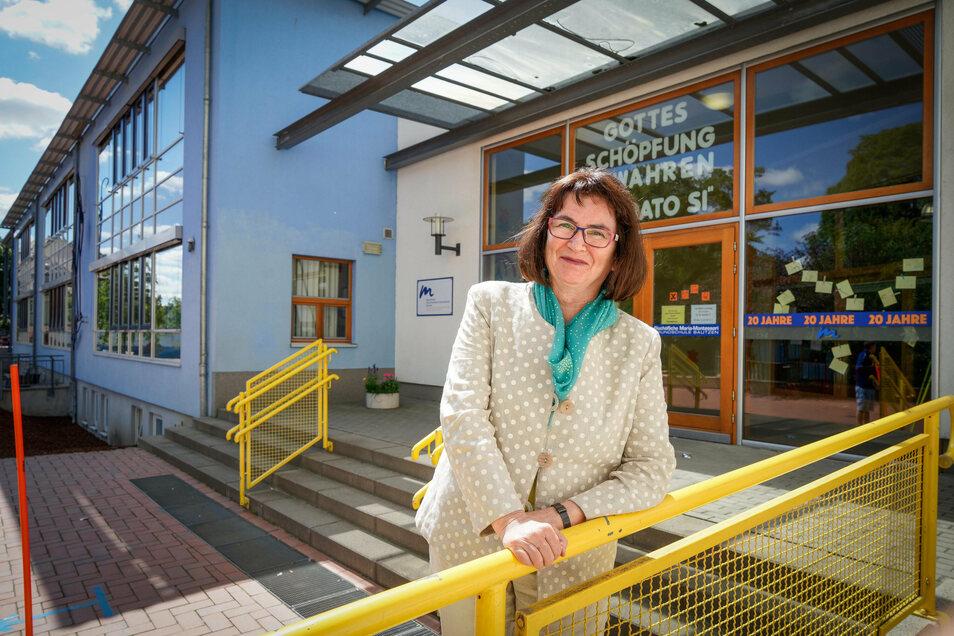 Nach 22 Jahren verabschiedet sich Änne Dürigen, die Leiterin der Bautzener Montessori-Grundschule in den Vorruhestand. Ihre Mutter komme aus Norddeutschland, deswegen heiße sie nicht Anne, erklärt sie ihren besonderen Vornamen.