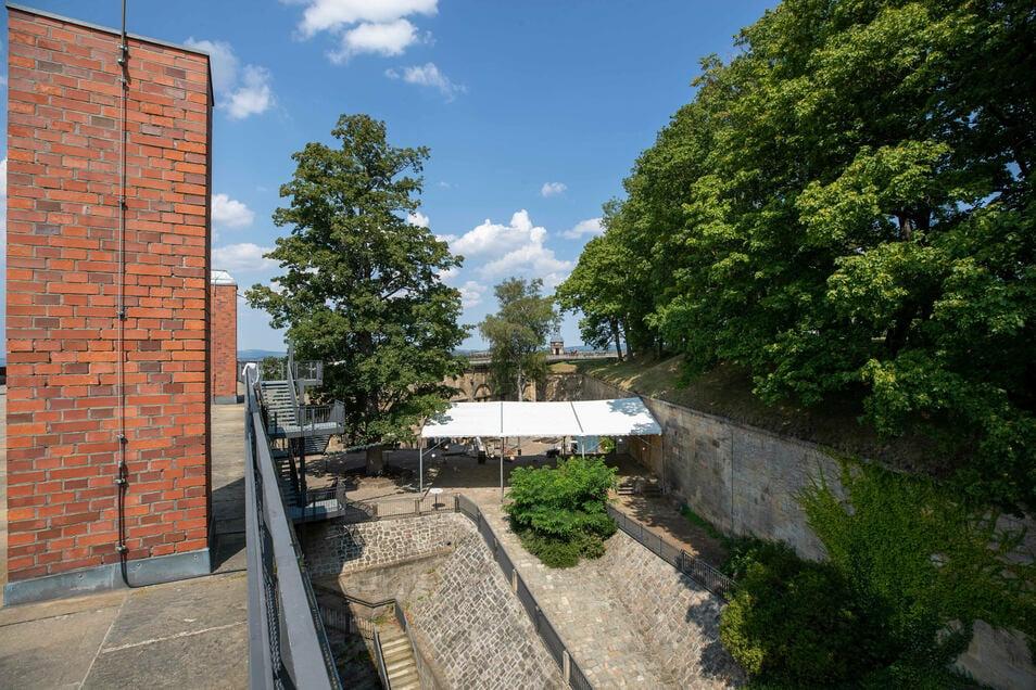 Am kommenden Wochenenden wird an den Kasematten auf der Festung Königstein das Open-air-Konzert stattfinden. Derzeit laufen die Vorbereitungen, auch wenn die Zugänge zu den Kasematten für Besucher versperrt sind.
