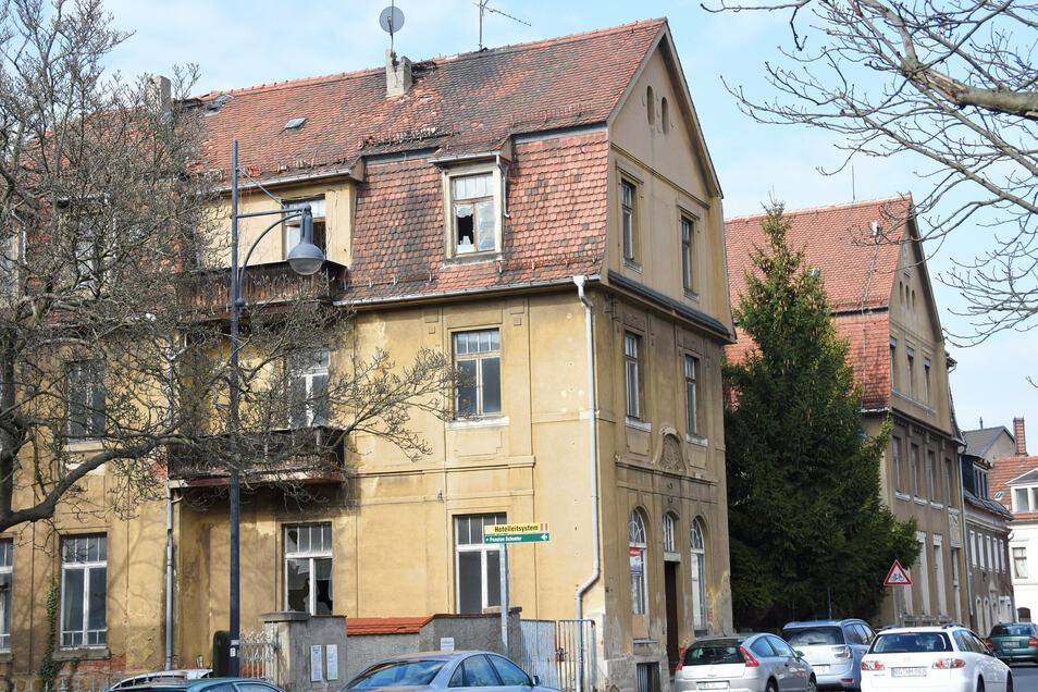 Die ehemalige Poliklinik an der Mozartallee hat eine greifbare neue Perspektive. Ein Anbau im Innenhof ist jetzt grundsätzlich für möglich erklärt worden.