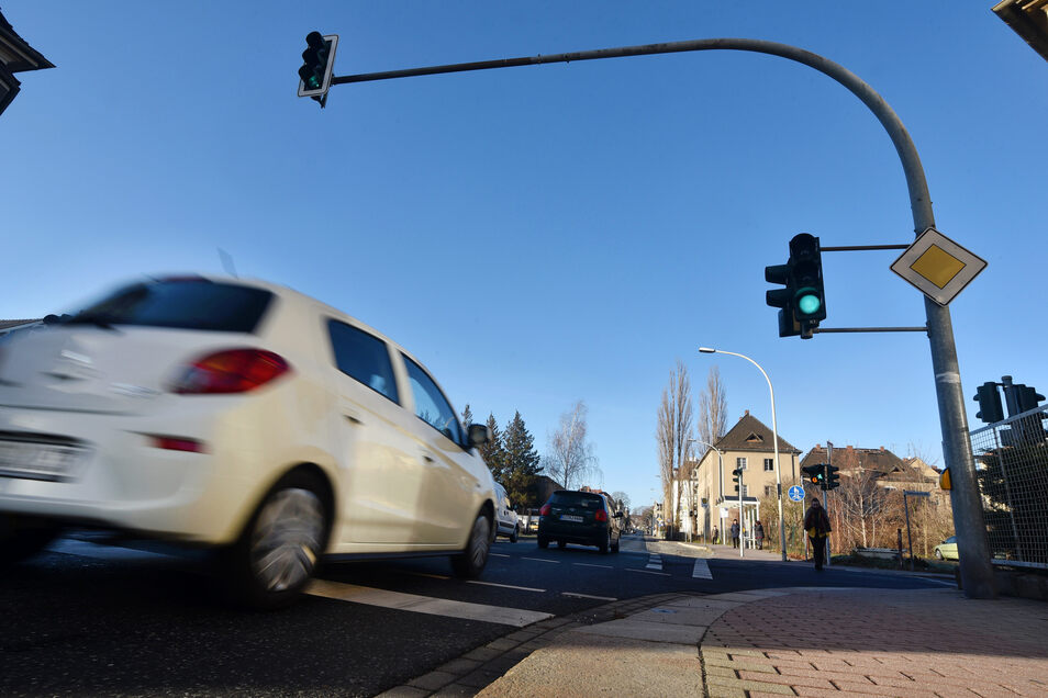 Auch an der Kreuzung Dresdner/Rathenaustraße soll ein Rotblitzer installiert werden.