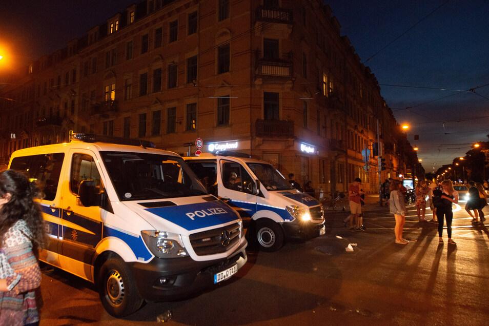 Insgesamt rund 1000 Polizisten sicherten das Stadtteilfest am Wochenende ab.
