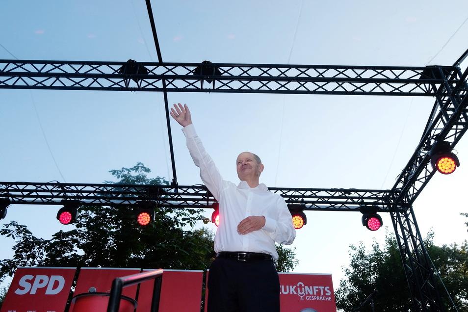SPD-Kanzlerkandidat Olaf Scholz erlebt zurzeit in den Umfragen einen Höhenflug, er bekommt als Kanzlerkandidat Zustimmungswerte deutlich über 50 Prozent.