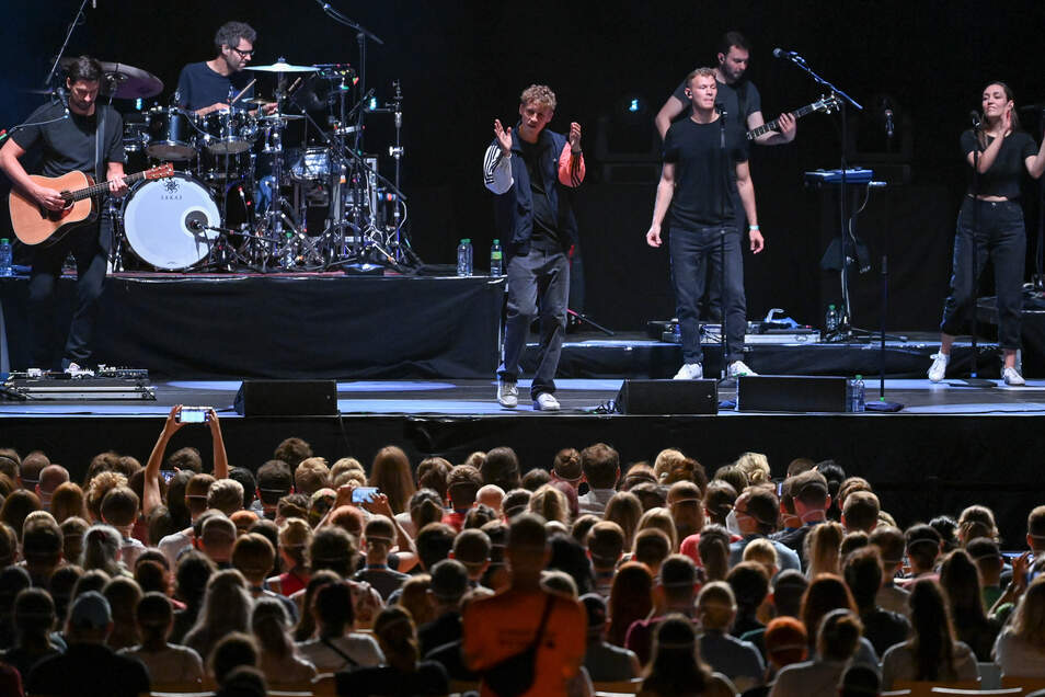 Tim Bendzko gab im August in der Arena Leipzig ein Konzert, das gleichzeitig auch ein Experiment war.