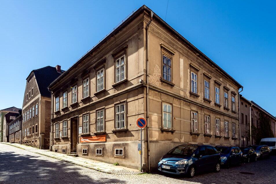 Hier, in den Schwesternhäusern in Kleinwelka, sind die Szenen gedreht worden. Auch von außen sind die Gebäude im Film zu sehen.