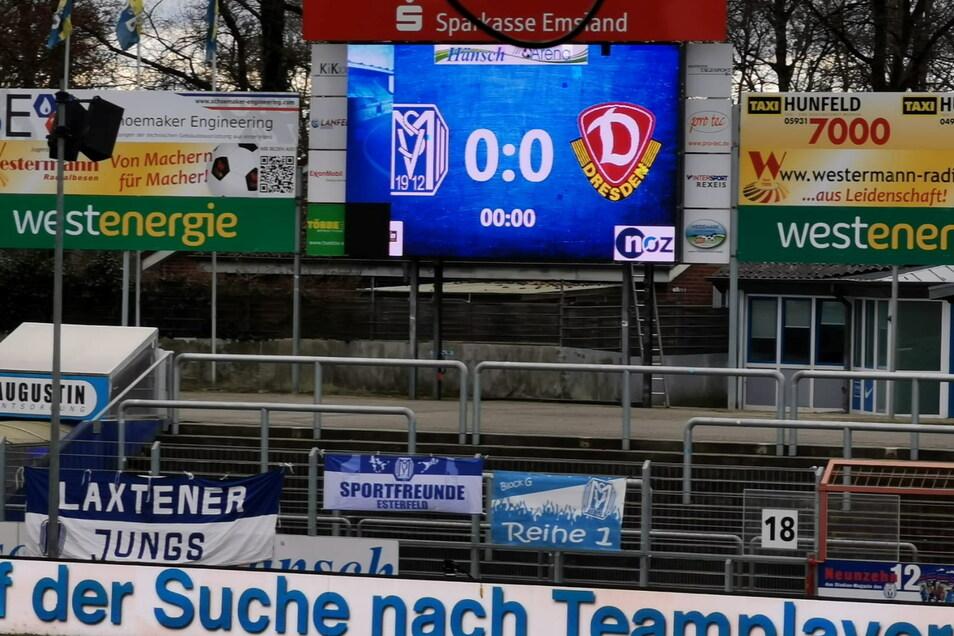 Dieses Ergebnis will Dynamo heute sicherlich nicht auf der Anzeigetafel sehen. Auffällig ist das alte Logo der Dresdner.