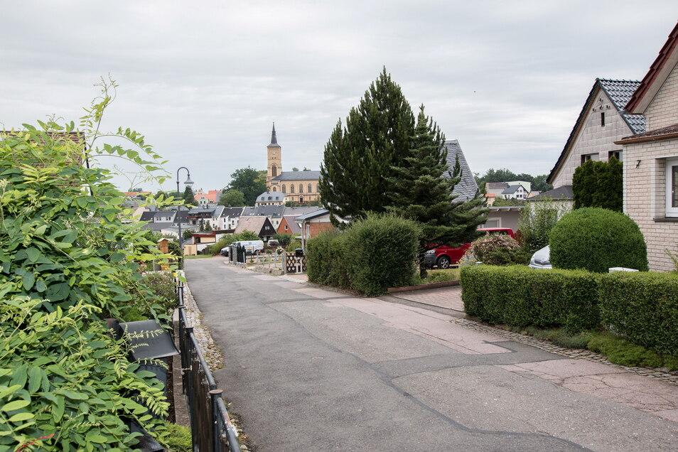 """Das Harthaer Wohngebiet """"Am Butterberg"""" wird 85 Jahre alt. Viele Anwohner mögen vor allem die Aussicht auf die Stadt und die Kirche."""