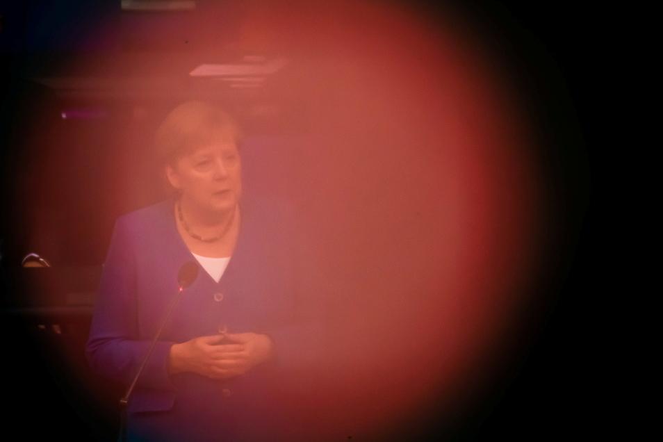 Bundeskanzlerin Angela Merkel bei der letzten Regierungsbefragung im Bundestag