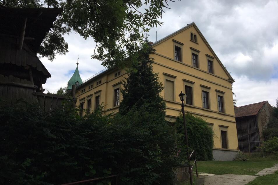 Die Kirchgemeinde will das HuGO-Haus in Langenwolmsdorf umbauen, modernisieren und erweitern. Dafür braucht es noch viel Geld.