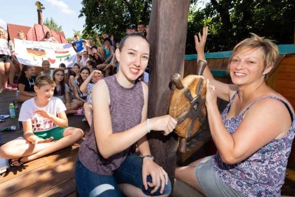 Erzsebet Deer und ihre Mutter Szilvia Horvath aus Ungarn betreuen die knapp 50 ungarischen Ferienkinder.